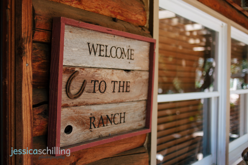 Temecula wedding at Lake Oak Meadows rustic ranch sign
