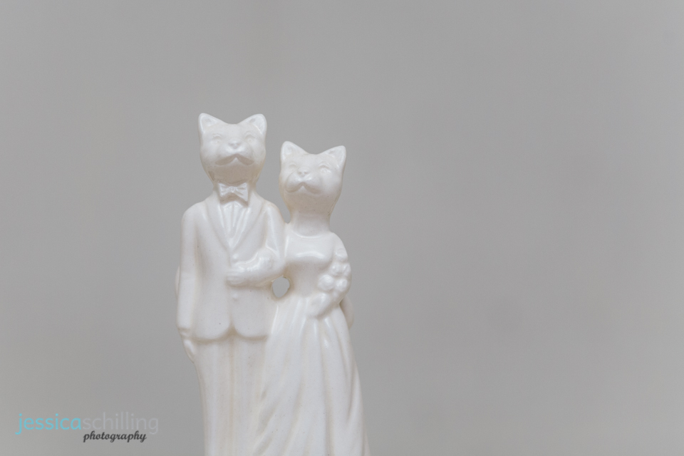 Indie wedding cake topper with cat bride and groom