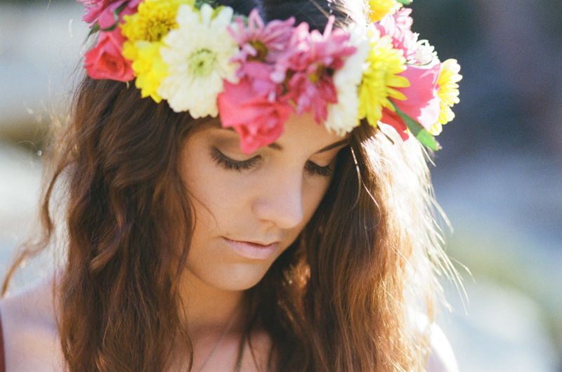 Romantic bohemian portrait photography. Floral crown DIY.