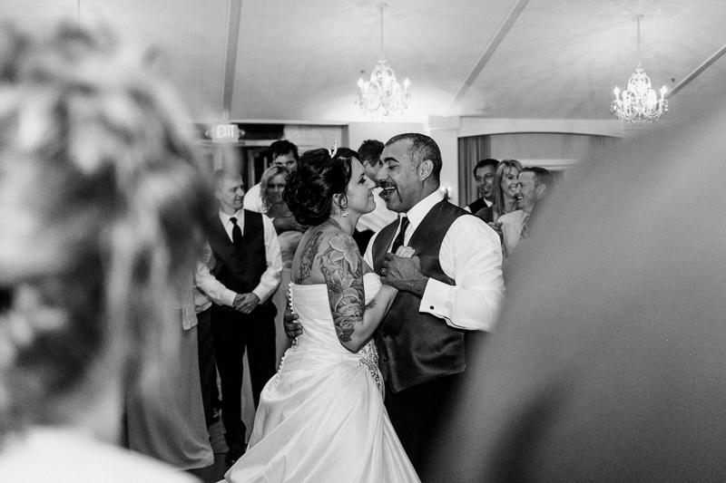 Modern documentary wedding photographer Jessica Schilling