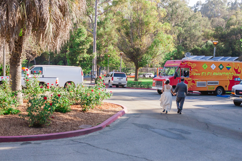 Los Angeles fun quirky modern wedding with food truck caterer