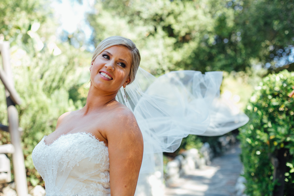 Malibu wedding photographer. Bride at Saddle Peak Lodge
