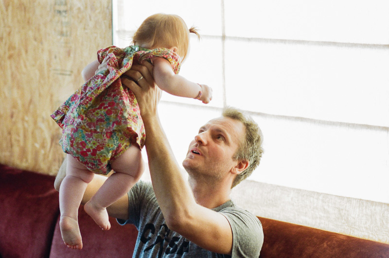 Los Angeles lifestyle family photographer. Father and baby girl.