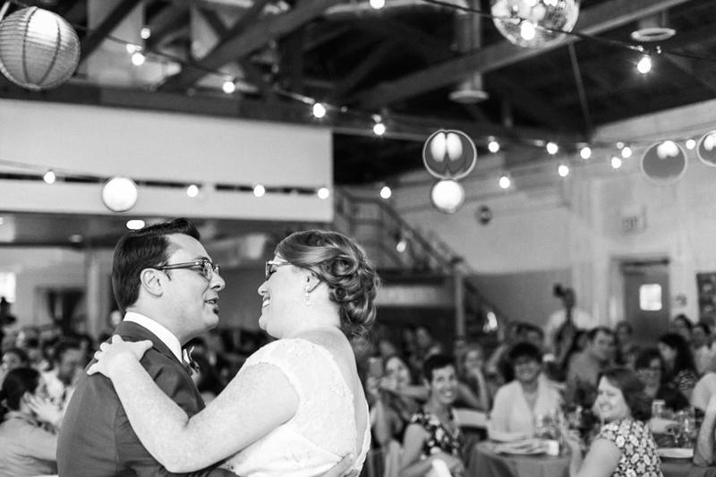 053-Studio_1342_mid_century_modern_wedding