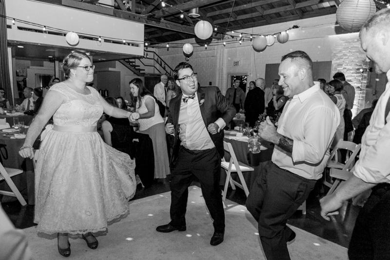 065-Studio_1342_mid_century_modern_wedding