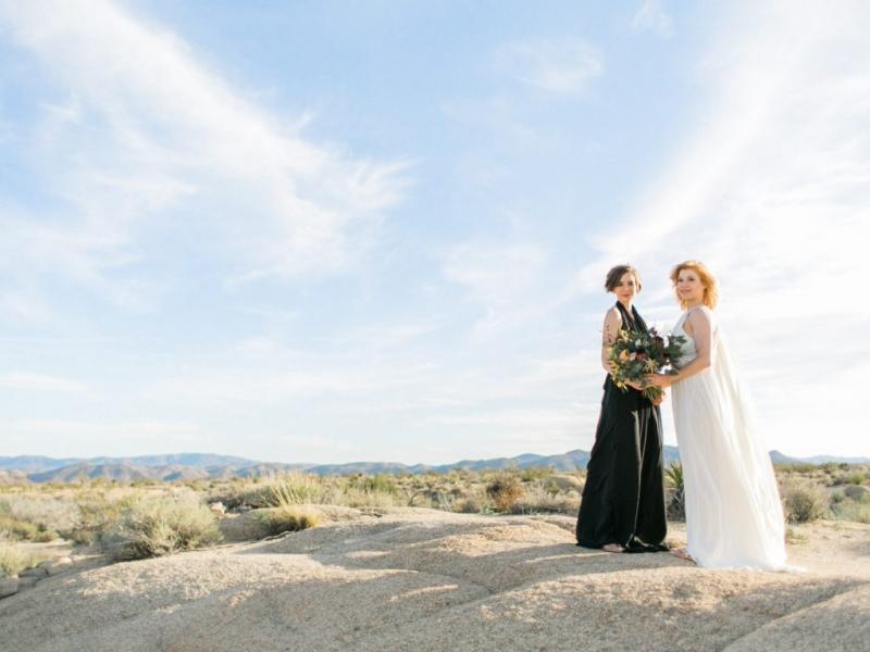 Joshua Tree Park elopement. Outdoor California weddings. LGBTQ friendly photographer