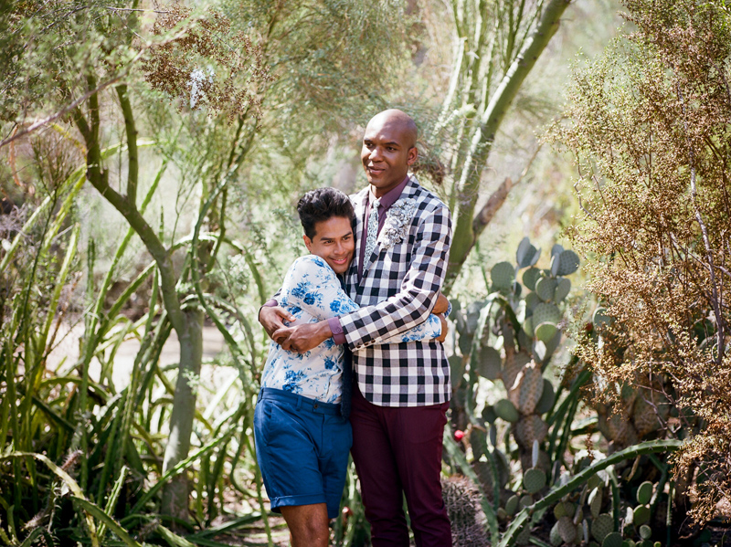 Get married in nature - elopement ceremony in Palm Springs cactus garden