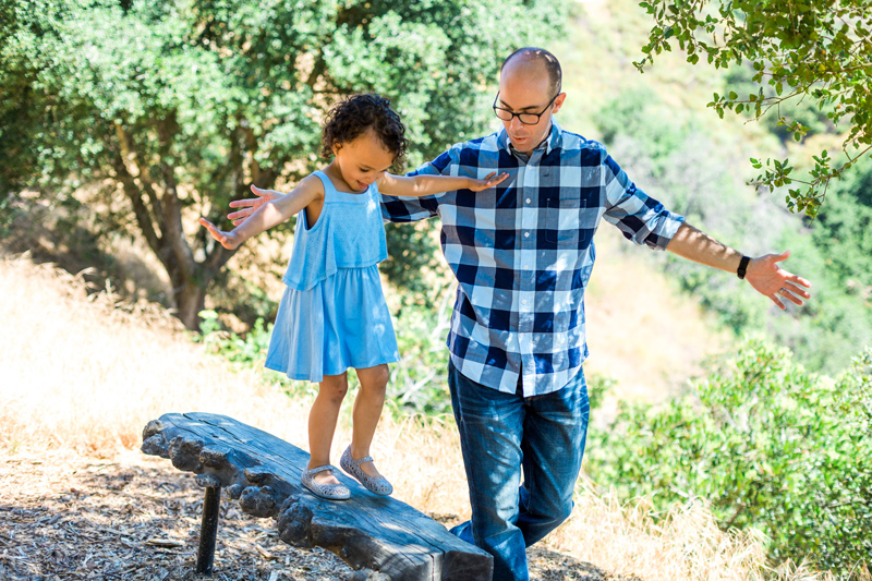 Lifestyle family sessions - natural outdoor photography