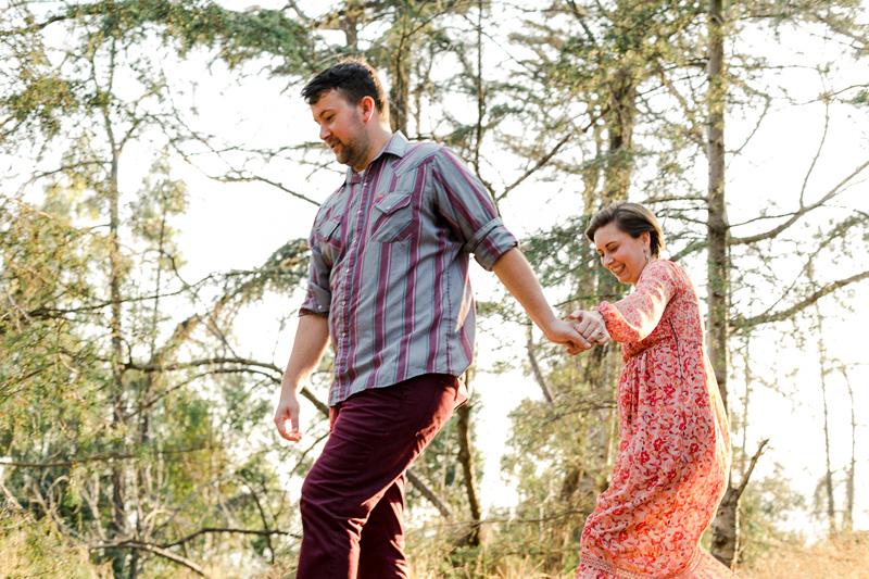 Outdoor elopement and engagement adventure photographer